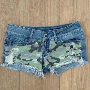 Black Orchid camo/denim shorts-size 24